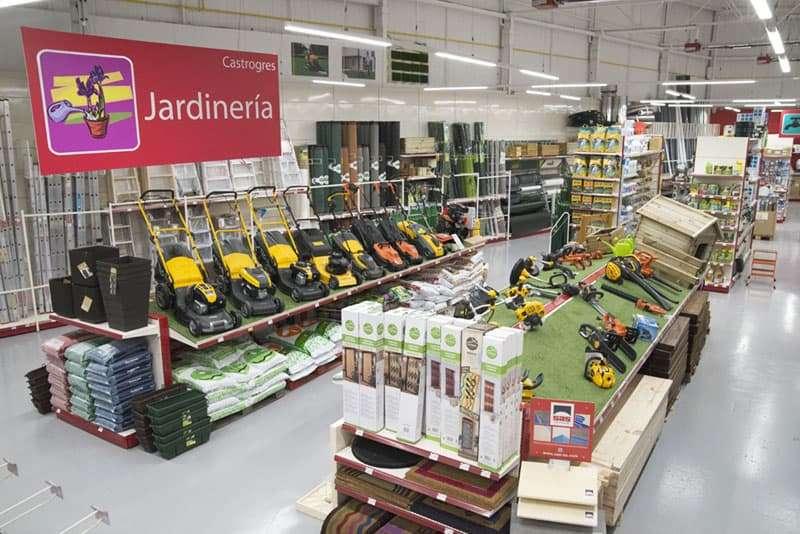 Vista sección jardinería Castrogres